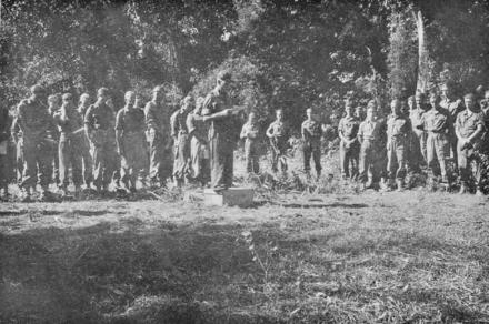 No5 Commando at burial service