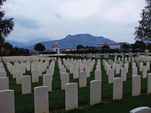 Cassino War Cemetery Graves