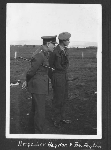 Brig. Charles Haydon, Commander of the 'SS'(Special Service) Bde., and Lieut. Tom Peyton, c.1941