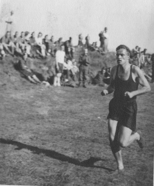 Denis Fuller No 2 Cdo sports event Sept.1941
