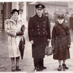 Harold Wilkinson Goulding and his wife and son