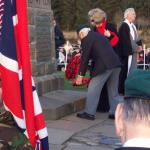 Billy Moore No.5 Cdo. and Jennie Barlow lay a wreath