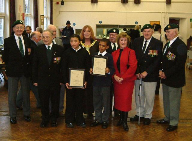 2002 Presentation to the winners of the George Knowland VC Certificates at Elmwood School
