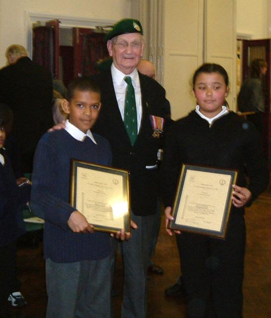 Vic Ralph with the George Knowland VC certifcate winners at Elmwood School 2002