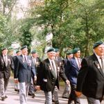 Veterans marching to the gun battery