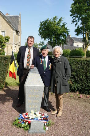 Bert Beddows and family, No. 3 Cdo memorial, Amfreville. 4 June 2013