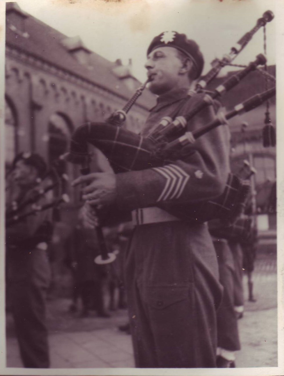 Pipe Major T.A. Maclauchlan, St Annaland, April 1945