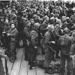 No.3 or No.4 Cdo disembarking after Dieppe