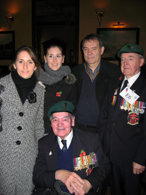 Ken Oakley and family with Jim Watson