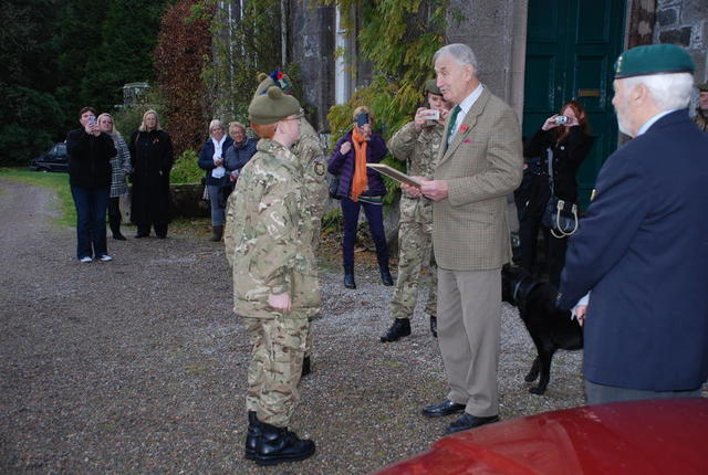 Brigadier Thomas presenting the award to the winning cadet