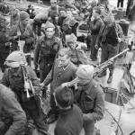 No. 4 Commando with German prisoner after Dieppe