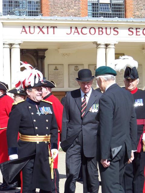 The Reviewing Officer inspects the Commando Veterans