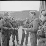 Major Lord Lovat briefing his men for Operation Abercrombie