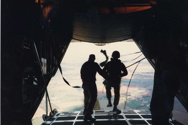 131 Indep Cdo Sqn RE (V) tail exit from a C130 Hercules over Salisbury Plain 1984