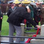 Gerry Keelor lays the Wreath