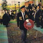 Charles Robson with No 5 Cdo wreath