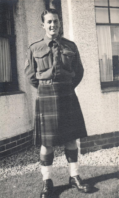 Sgt (later TSM) Ken McAllister No 2 Cdo 5 troop