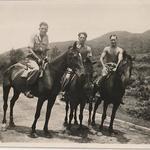 Arthur Baseley (centre) and commando pals