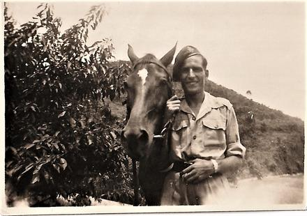 Unknown No 5 Commando with horse