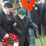 Jack Lamb, No.3 Commando prepares to lay The CVA Wreath