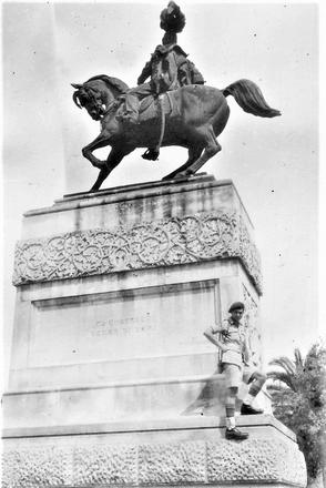 Fred Houseman at the Statue of Umberto I, Piazza Umberto, Bari in Italy