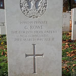 Grave of Pte Grahame Rowe