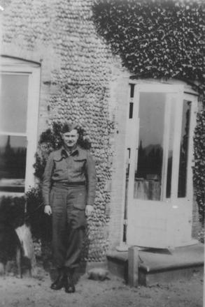 Capt. H.H. Blissett No.4 Ind. Coy HQ April 1940 at Sizewell.