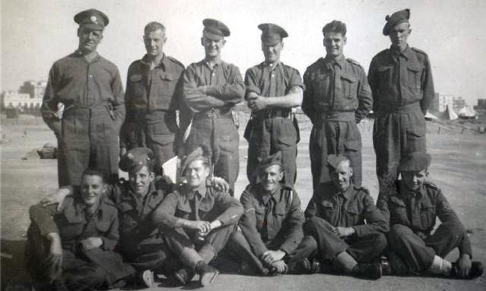 8 Commando
