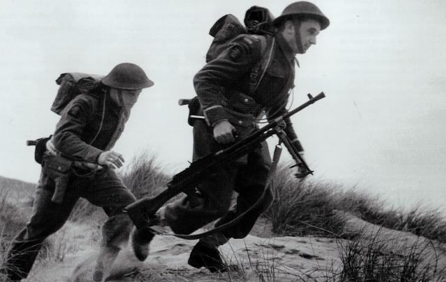Bren gun team from the Polish Troop