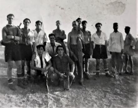Unidentified No. 1 Commandos - p