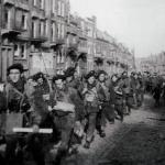 10 (IA) Commando 8 Troop march through Flushing.