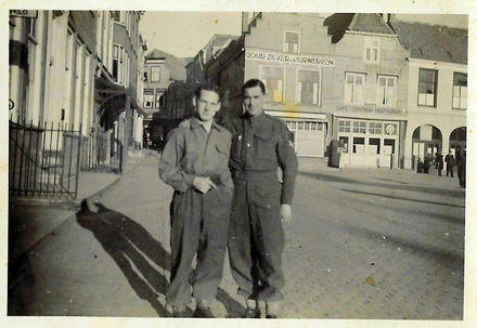 4 Cdo Bde HQ group possibly Jim Feggy or similar
