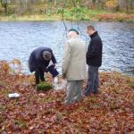 Bill, Stan and Geoff scatter Bobs ashes
