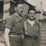 Alan Carlisle (left) and his good friend Eric Spiers, 4 Troop No.3 Commando