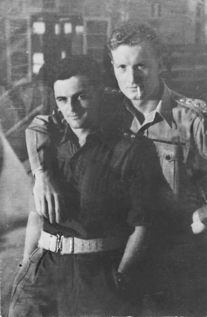Captain Larry Stephens No.5 Cdo. on the right, and another