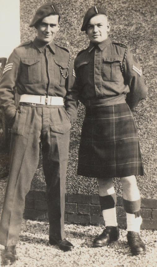 Kilts militaires WWII Dad+and+Cyril+Lima