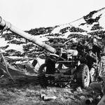 A 105 mm light gun of 29 Commando Regiment, Royal Artillery Falklands
