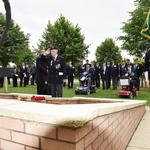 Ned Redman, No.5 Commando salutes having laid The Wreath.